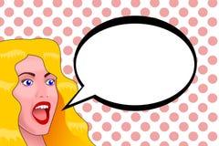 Una giovane donna bionda con gli occhi azzurri con un fronte sorpreso ed apre la bocca Illustrazione di Stock