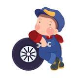 Una gomma dell'automobile del meccanico Boy Leaning Against Fotografia Stock Libera da Diritti