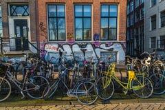 Una gran cantidad de bicis en Amsterdam Fotografía de archivo