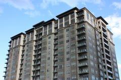 Una grande costruzione di appartamento. Fotografia Stock Libera da Diritti