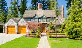 Una grande nuova casa. Fotografia Stock Libera da Diritti