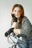 Una guida della giovane donna. fotografie stock libere da diritti