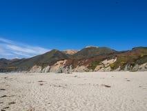 Una hermosa vista de la costa costa de California a lo largo de la carretera 1, Big Sur Imagen de archivo
