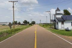 Una iglesia baptista vieja en el camino de Cobb cerca del Tunica, Mississippi imagen de archivo libre de regalías