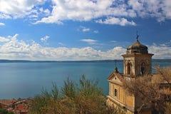 Una iglesia en el mar 2 imagen de archivo libre de regalías