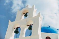Una iglesia ortodoxa en Santorini Imagenes de archivo