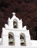 Una iglesia y un volcán Fotos de archivo