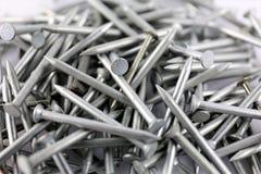 Una imagen de algunos clavos del acero - material de construcción Fotos de archivo