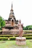 Una imagen de Buda que camina Foto de archivo