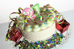 Una imagen de una torta de cumpleaños - del concepto cumpleaños 21 Imagenes de archivo