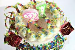 Una imagen de una torta de cumpleaños - del concepto cumpleaños 21 Fotos de archivo