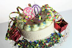 Una imagen de una torta de cumpleaños - del concepto cumpleaños 80 Foto de archivo