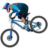 Una imagen de un ciclista que desciende en una bici de montaña en una cuesta Fotografía de archivo libre de regalías