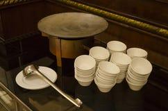 Una imagen de utensilios de cocinar y de los cubiertos Fotos de archivo libres de regalías
