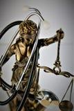 Una imagen del concepto de una justicia con un estetoscopio Imagen de archivo libre de regalías