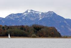 Una isla en el lago Chiemsee en Alemania Imágenes de archivo libres de regalías