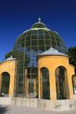 Una jaula de pájaro en Schloss Schonbrunn Fotografía de archivo