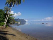Una laguna tropical en Hawaii foto de archivo libre de regalías