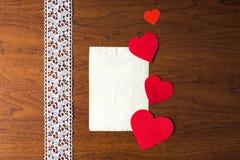 Una letra el día de tarjeta del día de San Valentín Imágenes de archivo libres de regalías