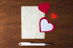 Una letra el día de tarjeta del día de San Valentín Imagen de archivo
