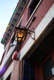 Una linterna fuera de una barra festiva en DC foto de archivo libre de regalías
