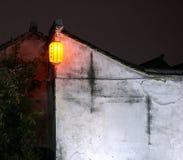 Una linterna roja Foto de archivo libre de regalías