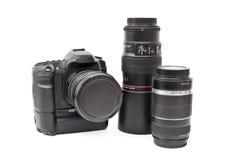 Una macchina fotografica e lente nere isolate Fotografia Stock Libera da Diritti