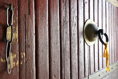 Una maniglia di porta di una fortificazione nel Bhutan Fotografia Stock Libera da Diritti