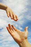 Una mano amiga Foto de archivo libre de regalías