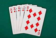 Una mano di poker reale delle carte da gioco di vampata diritta Fotografie Stock