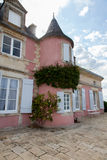 Una mansión rosada Imágenes de archivo libres de regalías