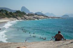 Una mattina sulla spiaggia di Ipanema immagine stock