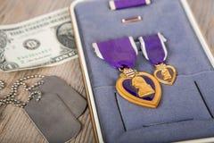 Una medalla de los militares de Purple Heart imágenes de archivo libres de regalías