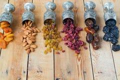 Una mezcla de frutas y de nueces secadas Fotografía de archivo
