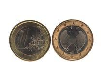 Una moneda euro del EUR, UE de la unión europea aislada sobre blanco Fotografía de archivo libre de regalías