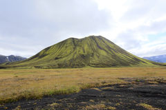 Una montaña sola fotos de archivo