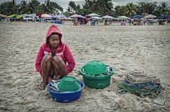 Una muchacha aborigen local con el recorrido Fotografía de archivo libre de regalías