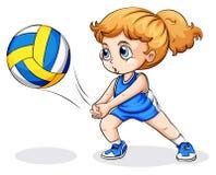 Una muchacha caucásica que juega a voleibol Imagen de archivo