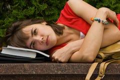 Una muchacha de universidad Imágenes de archivo libres de regalías