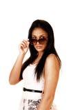 Muchacha adolescente con las gafas de sol. Imágenes de archivo libres de regalías