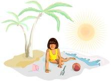 Una muchacha en juegos amarillos en la playa Imagen de archivo