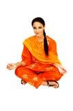 Muchacha india que se sienta. Fotos de archivo libres de regalías