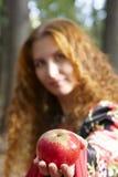 Una muchacha pelirroja hermosa Foto de archivo