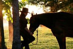 Una muchacha y su serie del caballo Fotografía de archivo libre de regalías