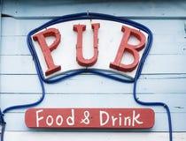 Una muestra rústica del pub Fotografía de archivo