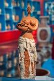 Una mujer del tanque del control de la exposición del museo de arte de la cerámica de la cerámica de Rongchang Chongqing Rongchan Foto de archivo libre de regalías