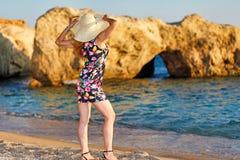 Una mujer en Karpathos, Grecia Fotos de archivo
