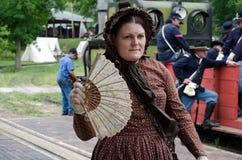 Mujer y soldados de la guerra civil Fotografía de archivo libre de regalías