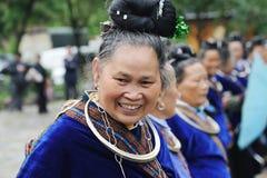Una mujer mayor china de los miaos Fotografía de archivo