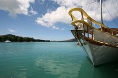 Una nave di navigazione in Seychelles Fotografia Stock Libera da Diritti